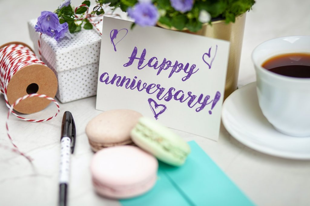 Happy-Anniversary-Messages-for-a-Couple (1)